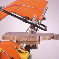 Inclinable support for stone saw